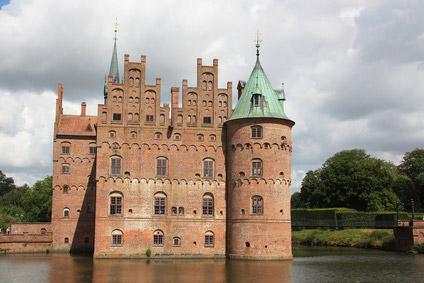 Schloss und Wasserburg Egeskov auf der Insel Fünen in Dänemark